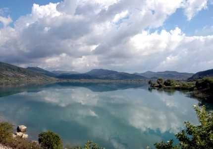 λιμνη