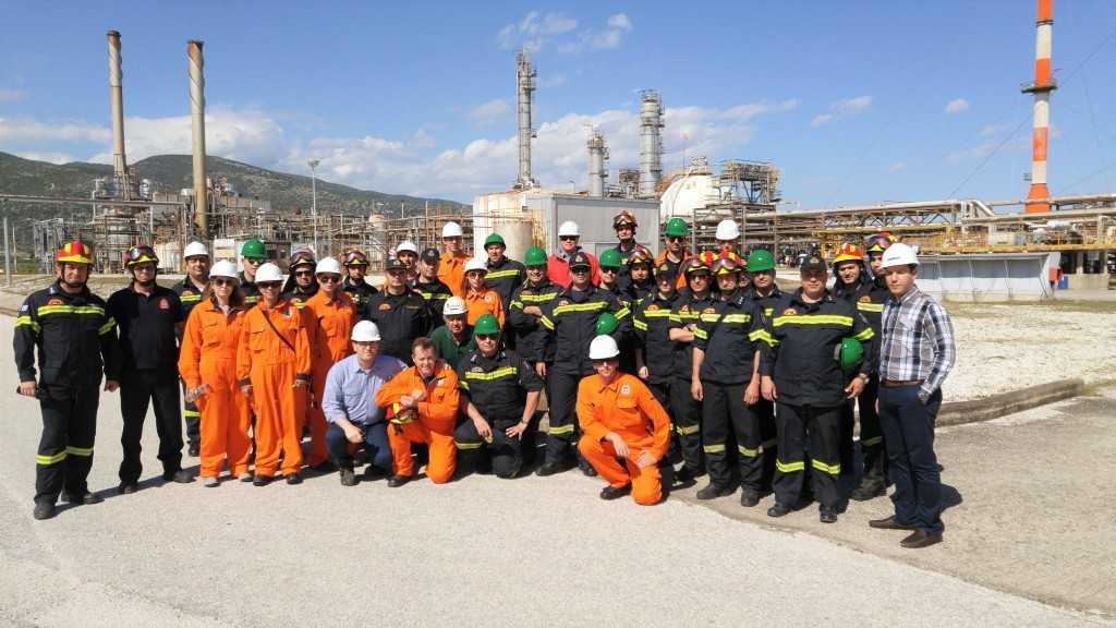 Εκπαίδευση πυροσβεστών στις χερσαίες εγκαταστάσεις της Ν. Καρβάλης